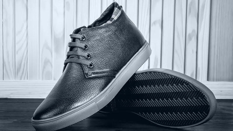 革靴みたいなスニーカー